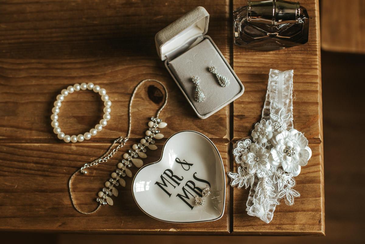 clock-barn-wedding-hampshire-details