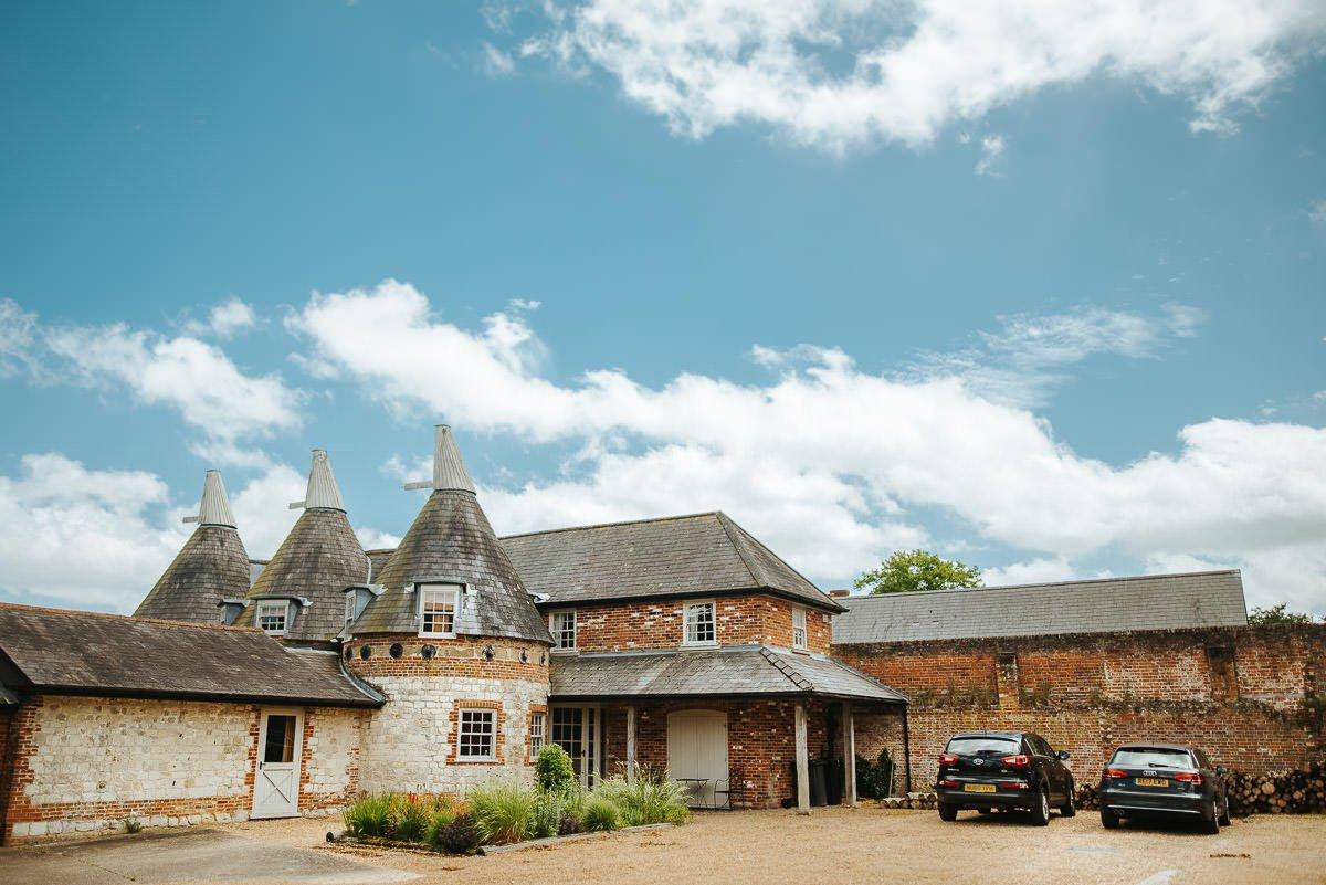 Bury Court Barn - Wedding Photographer Hampshire 2