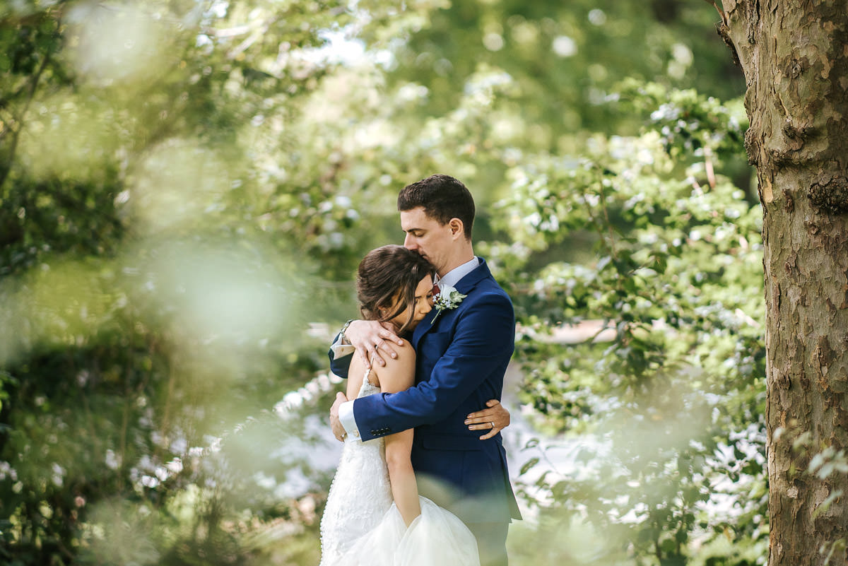 regents park london wedding couple shots hugging