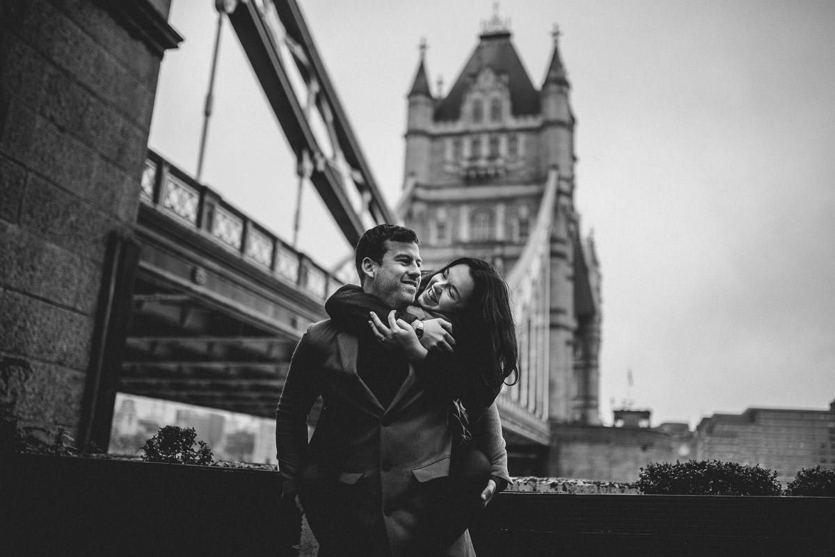 tower bridge love shoot