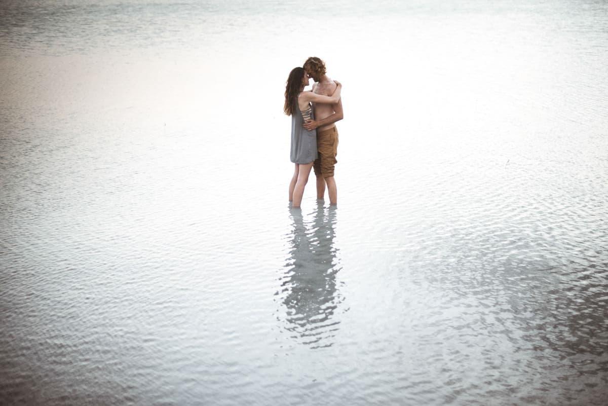 couple in love bahamas