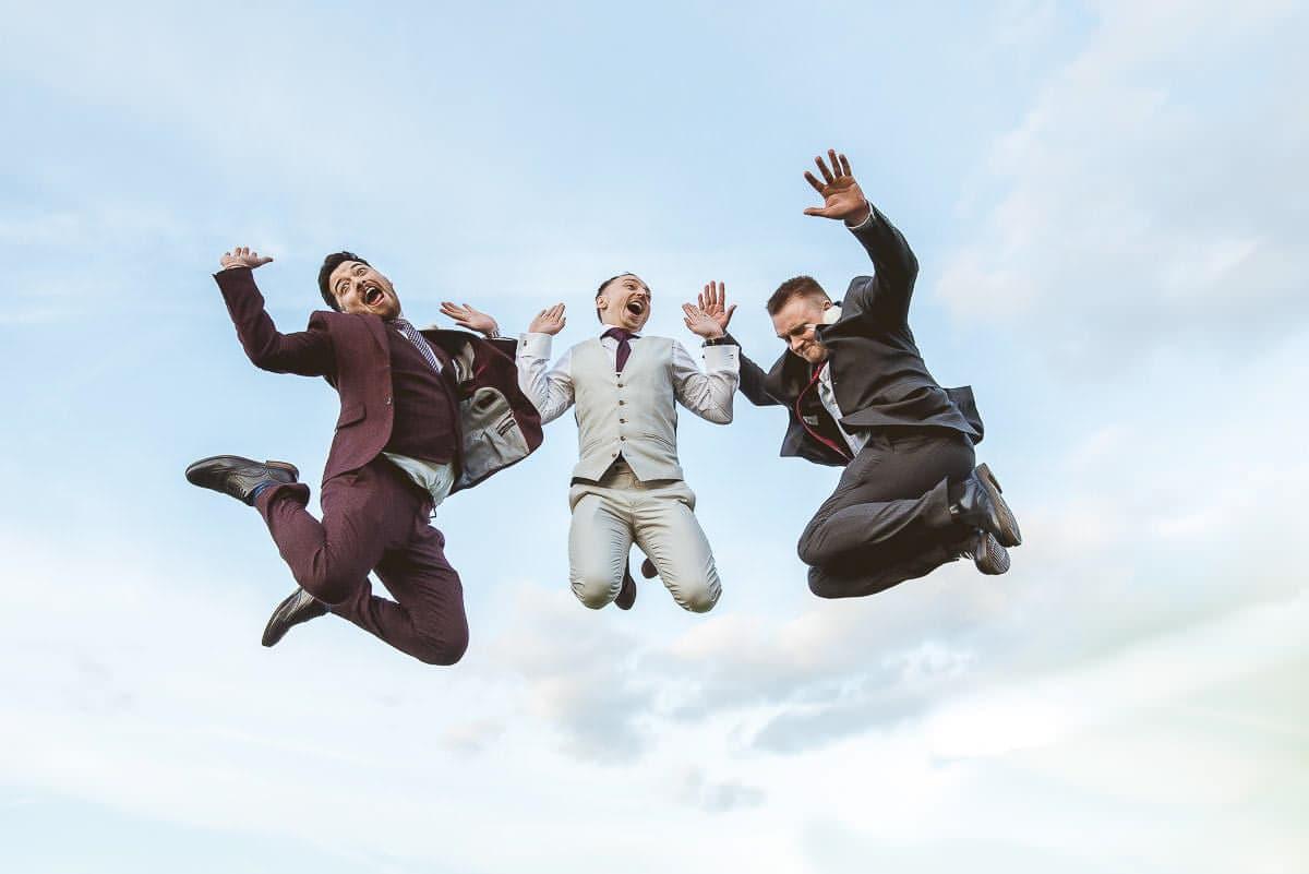 wedding fun group photo idea
