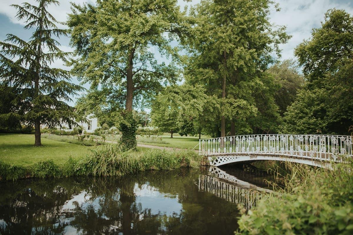 morden hall park bridge