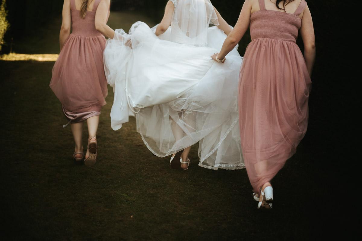 mount ephraim gardens wedding bride and bridesmaids