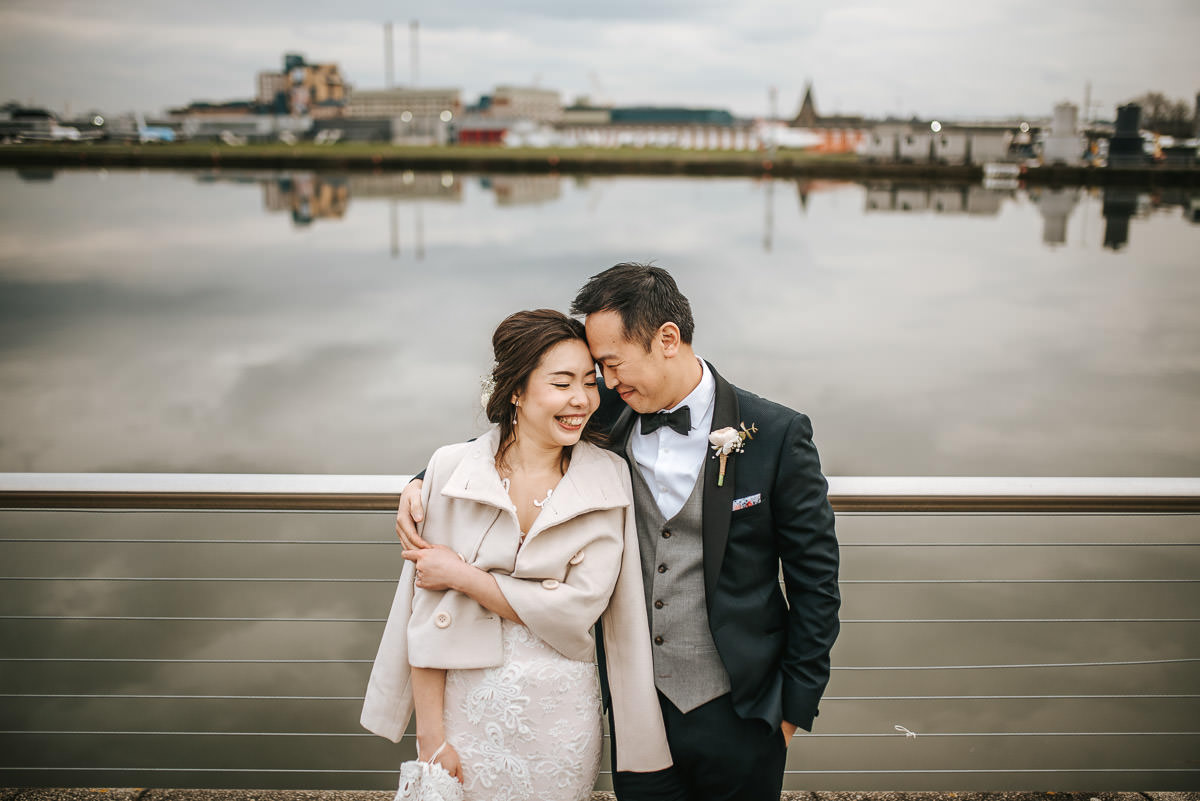 chinese wedding london bride and groom by the water