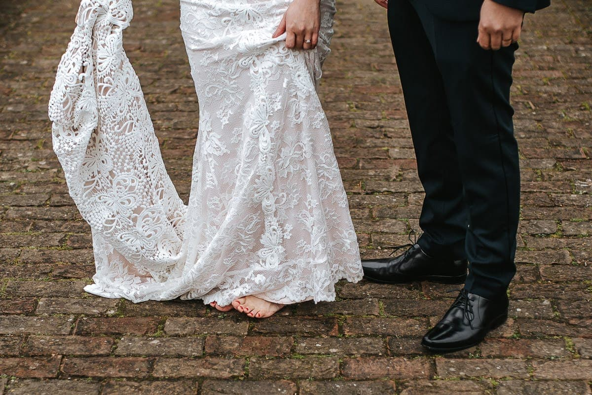 chinese wedding london hall place bexley bride and groom bare foot