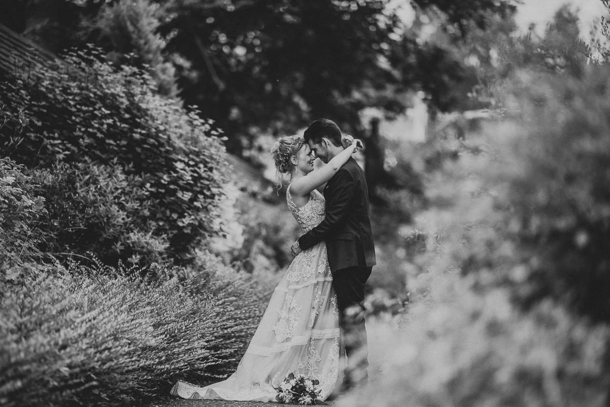 wedding photos reading bradfield college couple shoot