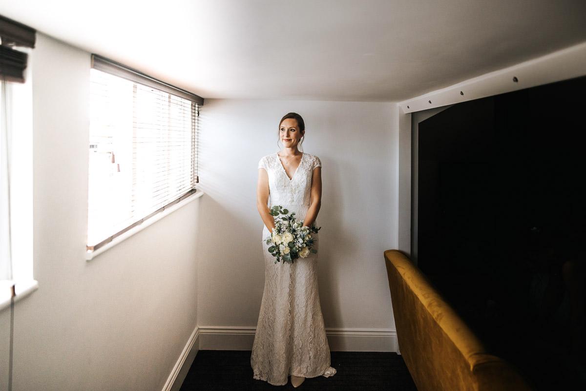 london wetland centre wedding getting ready bride portrait