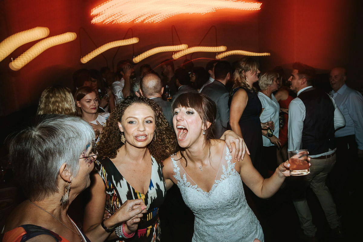 london bridge grind wedding party guests dacing
