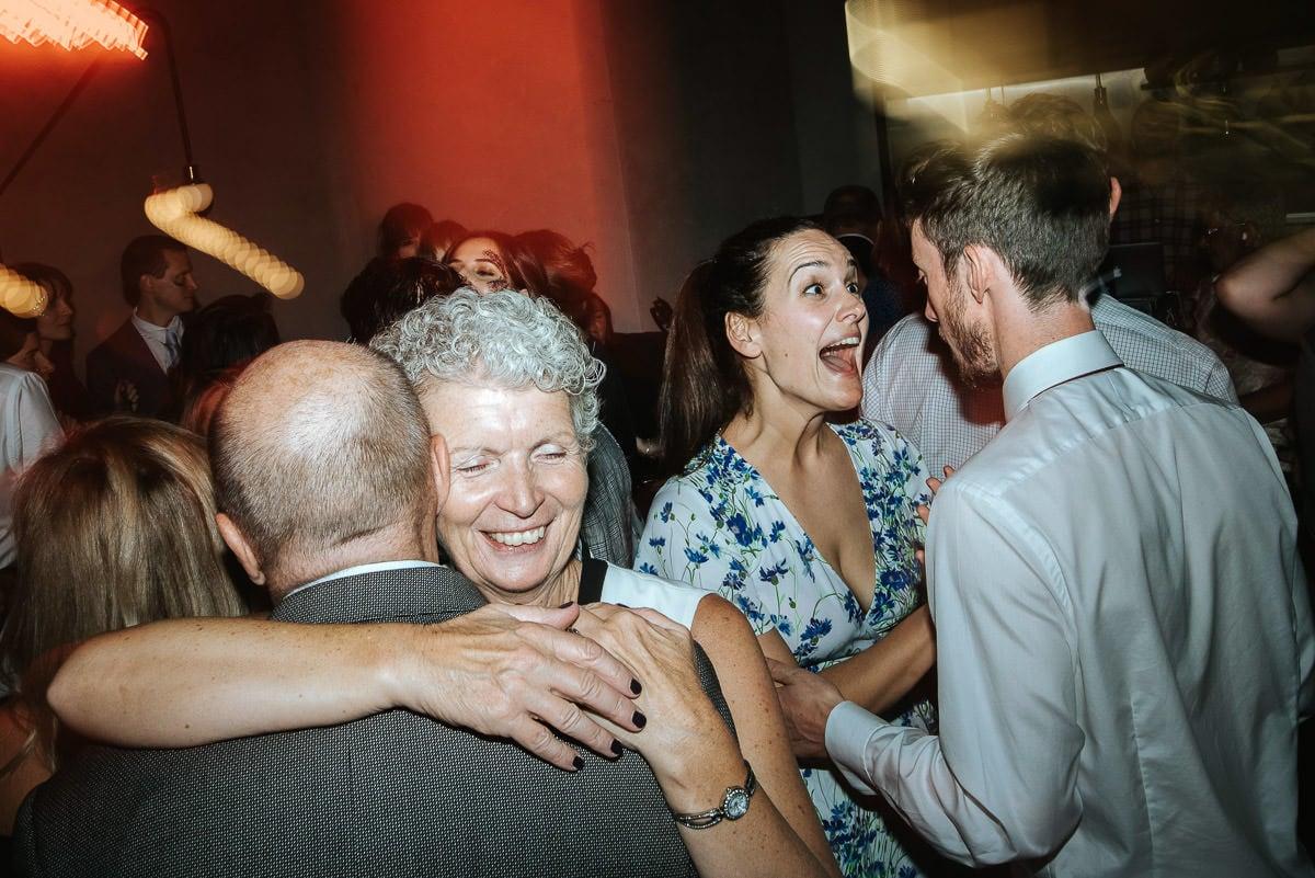 london bridge grind wedding party guests